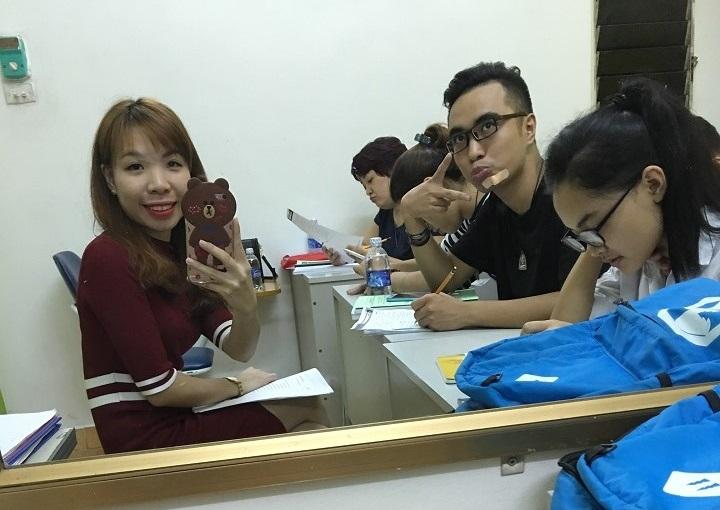 Cô Hải Yến trong 1 buổi dạy học