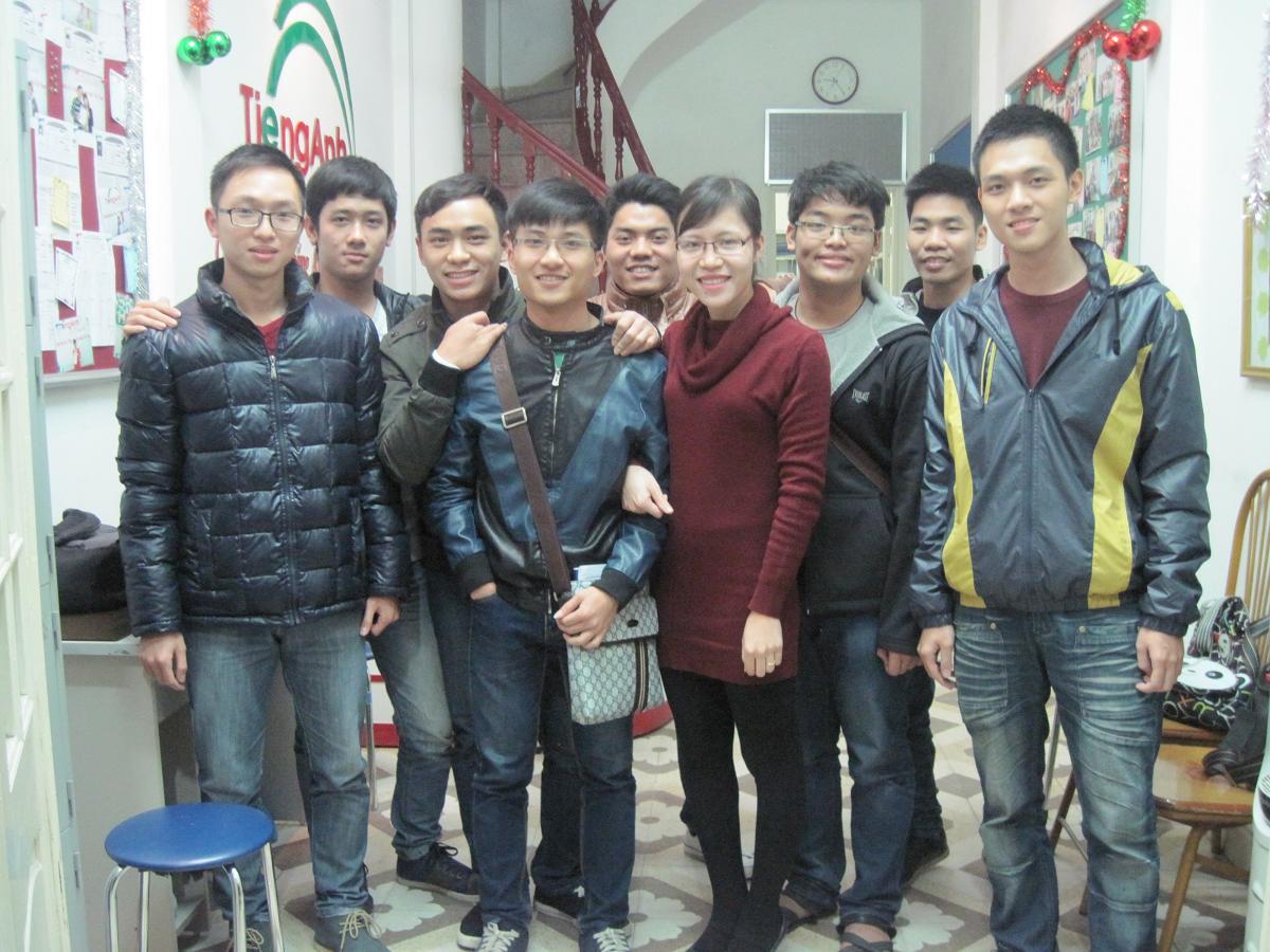 Các hot boy lớp ST0110 của cô Hà xì tin nè @@